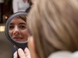 Eveline kreeg van Hans een spiegel voorgehouden